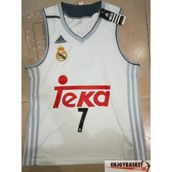 d0af11cfc1d05 Camiseta Luka Doncic Real Madrid Baloncesto